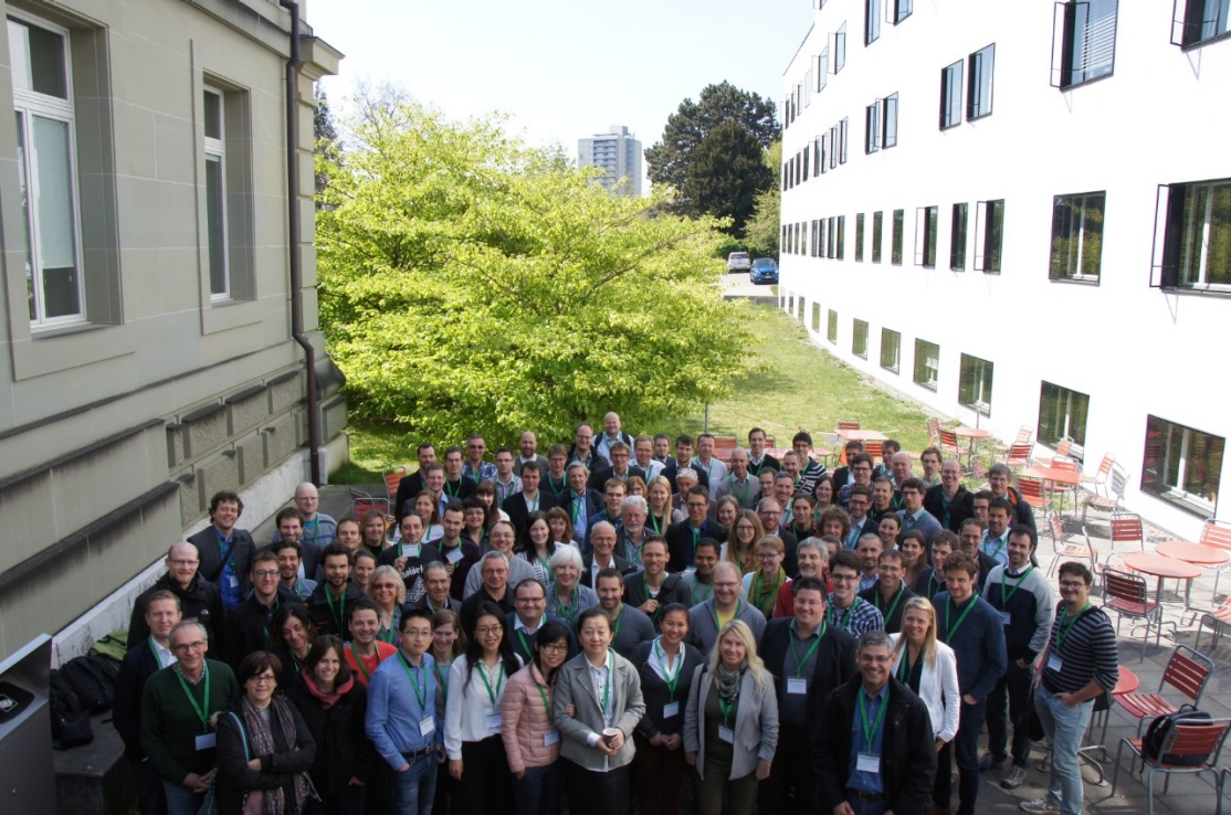 Affichage aggrandi: Photo de groupe des participants. Photo : Université de Berne